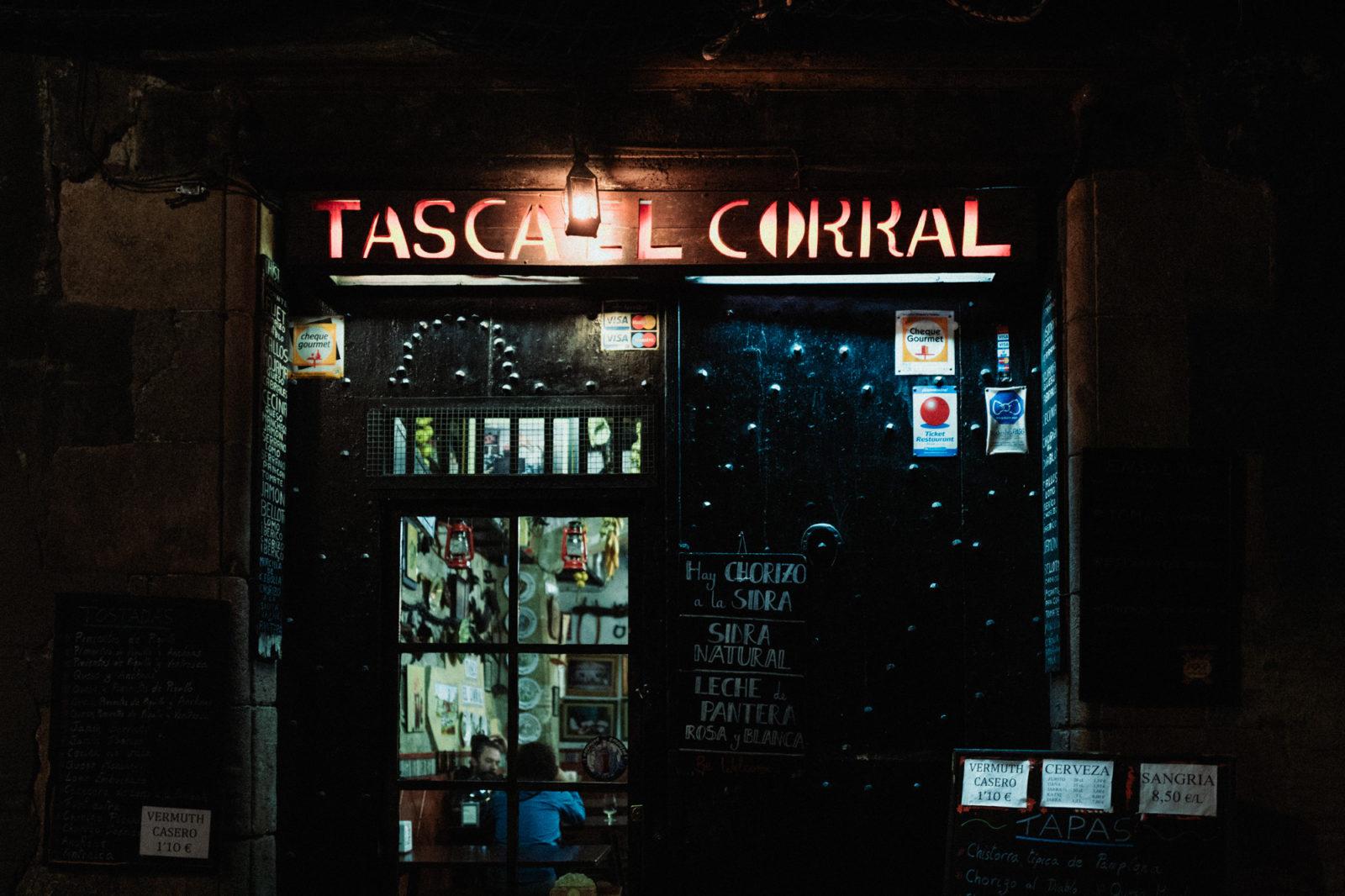 Barcelona Street-1080163